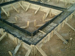 Фото заливки ленточного фундамента для сарая из шлакоблоков, fundament-expert.ru