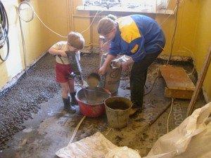 Фото приготовления раствора для стяжки с керамзитом, ablamirat.ru