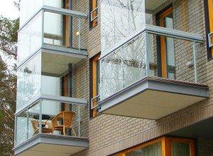 Фото безрамной конструкции остекления балкона, pilot-spb.com