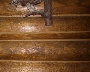 На фото - шов между бревнами с цветным акриловым герметиком, rubl-kirov.com