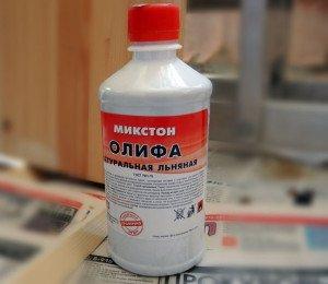 На фото - натуральная льняная олифа с экономным расходом, repmag.ru