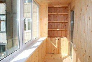 На фото - внутренняя отделка балкона с выносом, plus4.ru