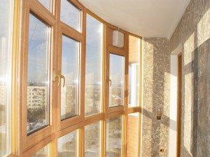 На фото - теплое остекление балкона, oknapvh.net