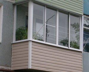 Фото остекления висячего балкона, profystroy.ru