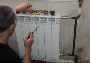 Фото монтажа радиатора отопления по уровню, ultra-term.ru