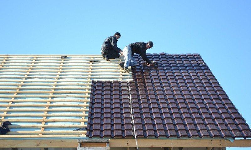 Двухскатная крыша из металлочерепицы своими руками видео