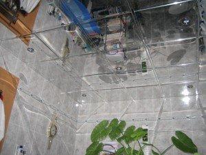 Фото зеркального потолка в ванной комнате, interierra.ru
