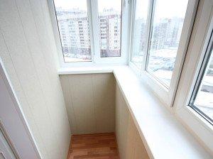 Фото теплого остекления балкона с помощью пластиковых рам, lavokna.ru