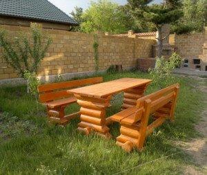 На фото - массивная мебель из оцилиндрованного бревна, torg.ukrbio.com
