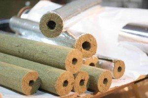 На фото - цилиндры для утепление водопроводных труб, o-trubah.ru