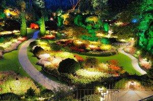 Фото декорирования ландшафта придомовой территории светильниками, klumba71.ru