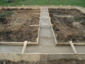 На фото - строительство фундамента для дома, swtor-guild.com