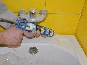 Фото применения силиконового герметика для внутренних работ, build-chemi.ru