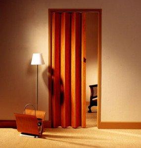 Фото межкомнатной двери-гармошки, saw-wood.ru