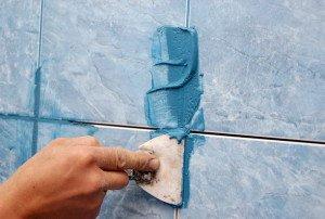 На фото - цементная фуга для плитки, 1stones.ru