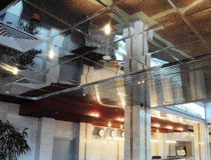 Фото установки зеркальных потолочных панелей, podvesnoi.ru