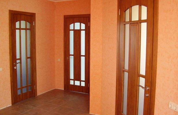 Какие виды деревянных дверей бывают? фото