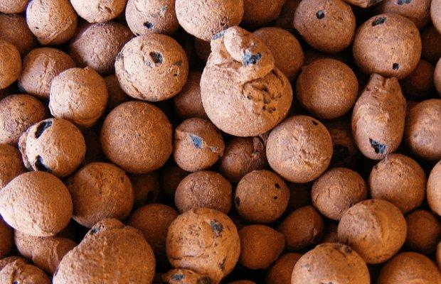 Пористые керамзитовые зерна