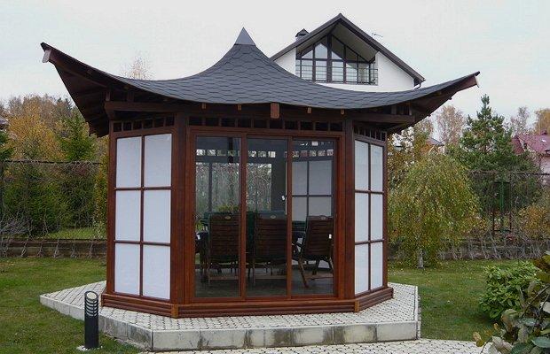 Беседка с китайской крышей