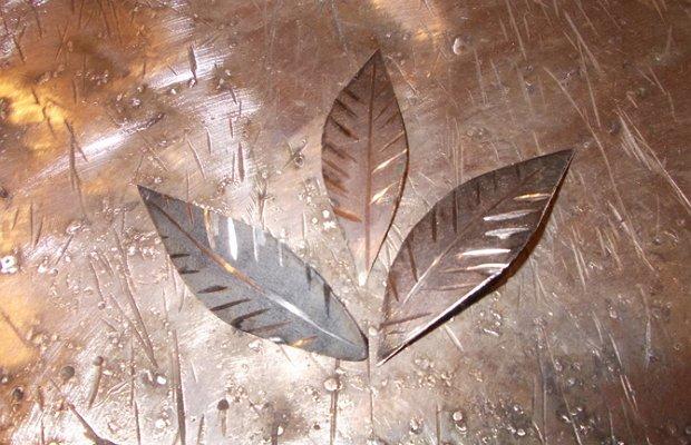 Листья из металла – оформляем холодную ковку фото