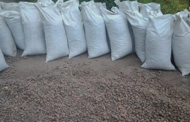 Мешки со строительным материалом объемом 50 литров
