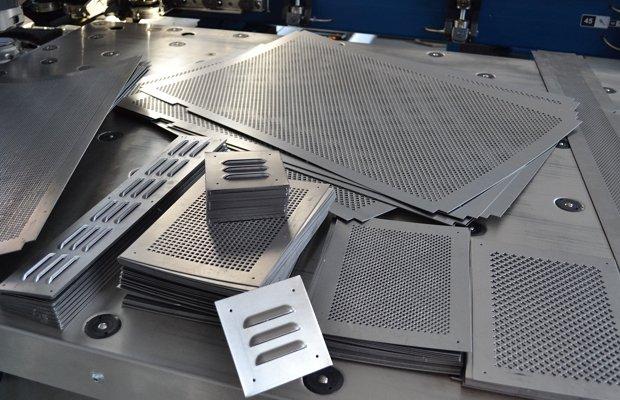 Штамповка листов металла
