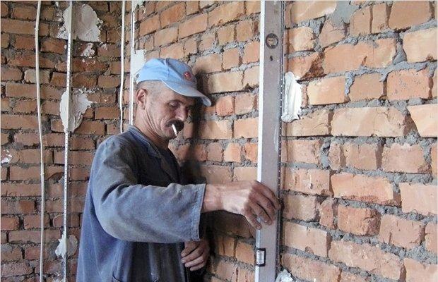 Маячковые профили из металла – гарантия получения ровных стен фото
