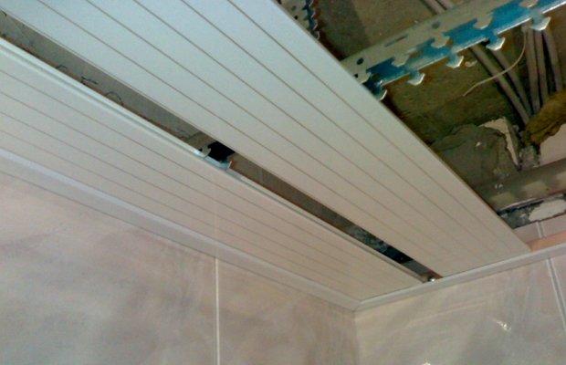О разновидностях реечных потолочных конструкций и их устройстве