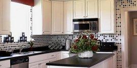 Виниловые обои для кухни – идеальный вариант оклейки стен