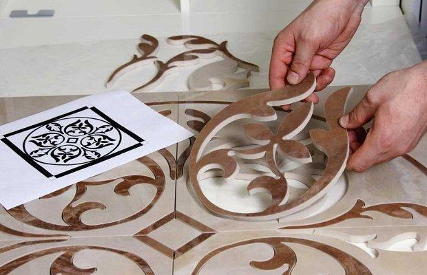 Вырезание фигурных линий в плитке