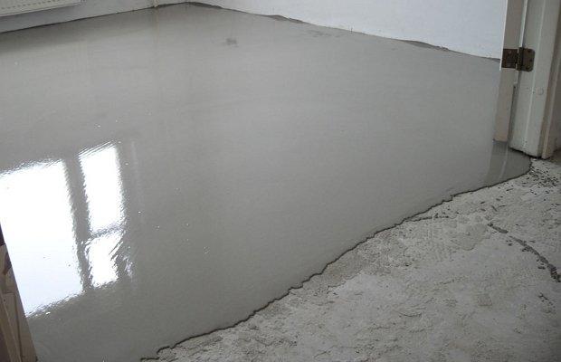 Самовыравнивающееся покрытие на базе цемента
