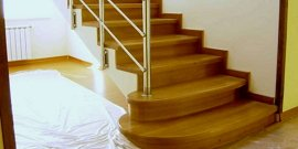 Облицовка лестниц древесиной – особый интерьер в доме гарантирован!