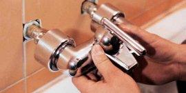 Установка смесителя в ванной своими руками – сам себе сантехник