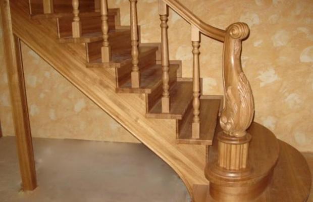 Красивая качественная лестница
