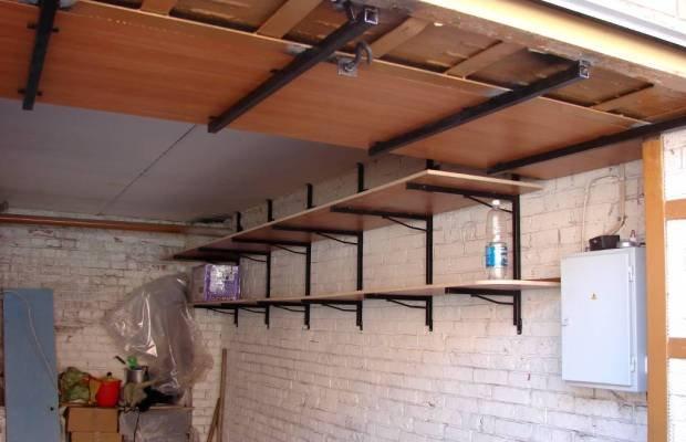 Навесные полки под потолком