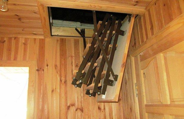 Откидная лестница с люком