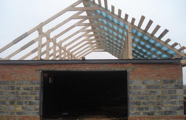 Двухскатная крыша – самостоятельный монтаж