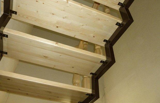 Изготавливаем лестницу с двумя косоурами – технология для домашних умельцев