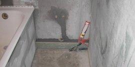 Как выровнять стены в ванной – штукатурка или гипсокартон?