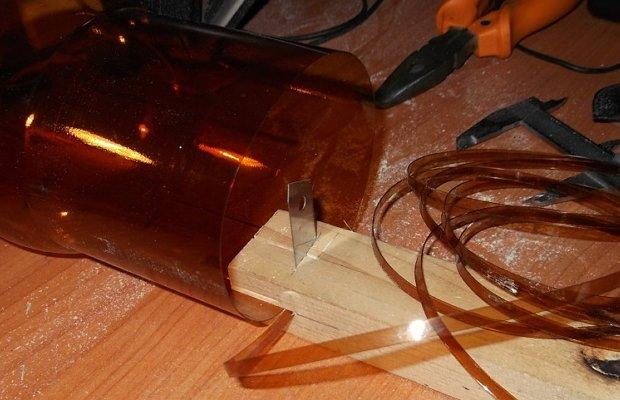 Приспособление для изготовления прочной веревки из пластиковых бутылок
