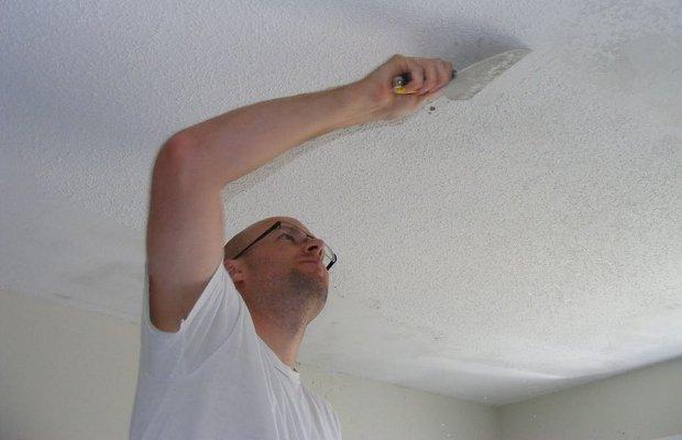 Подготовка потолка – сделаем его абсолютно чистым!