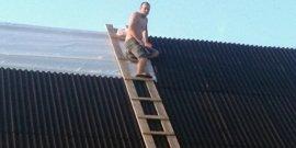 Лестница для крыши своими руками – сделаем без проблем!