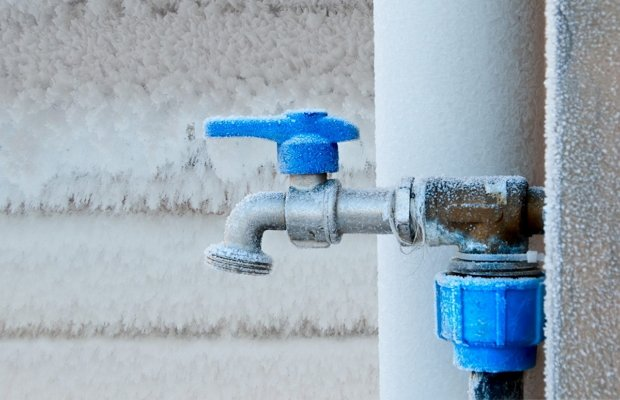 Есть ли потребность в теплозащите канализационной системы в частном доме?