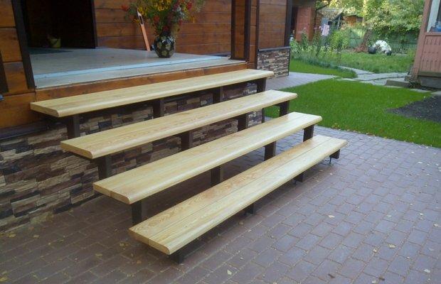 Наружная лестница – изготавливается из разных материалов