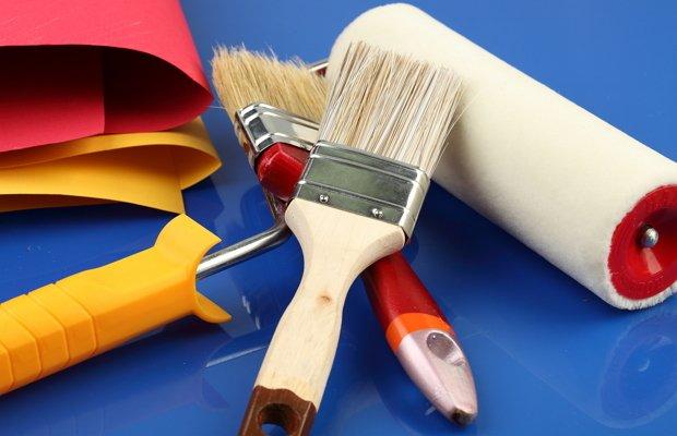 Инструменты для наклеивания и правила подготовки потолка к монтажной операции