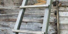 Приставная лестница из дерева – как сделать самостоятельно?