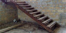 Как сделать лестницу в подвал – простые технологии строительства