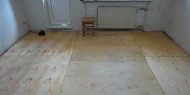 Укладка фанеры на деревянный пол – устраняем несовершенства дощатой основы