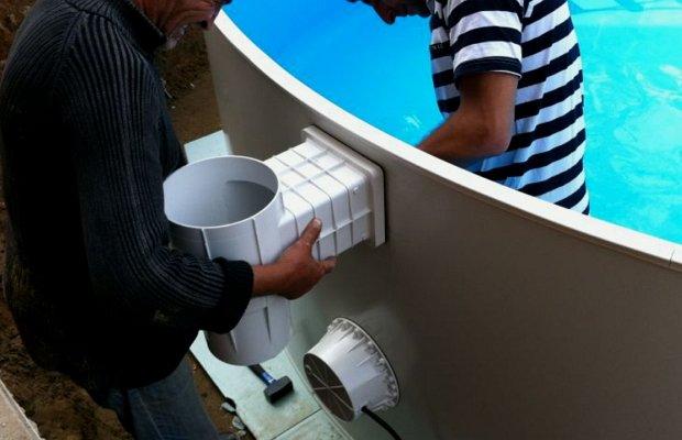 Монтируем очищающие аппараты для бассейнов