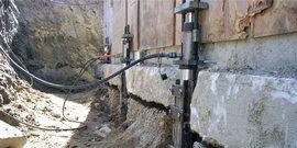 Ремонт фундамента старого деревянного дома – основание жилища снова будет надежным!